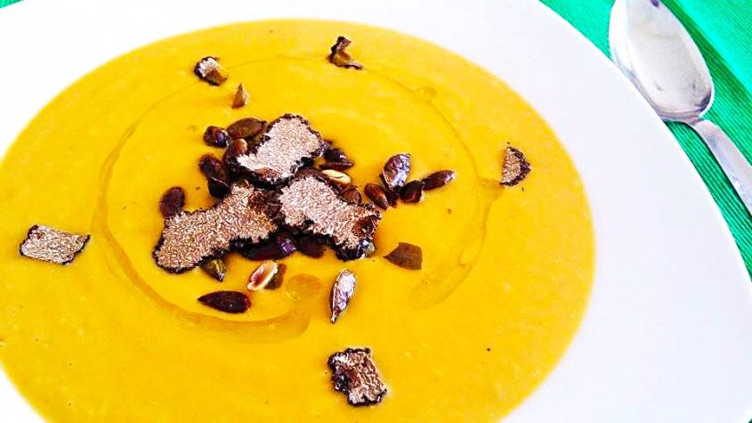 Supa-crema de dovleac cu mascarpone si trufe