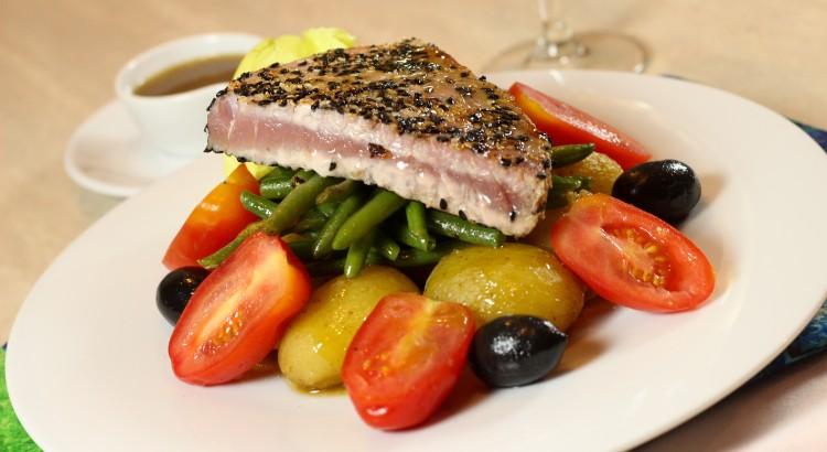 Salata nicoise, varianta simpla si rapida