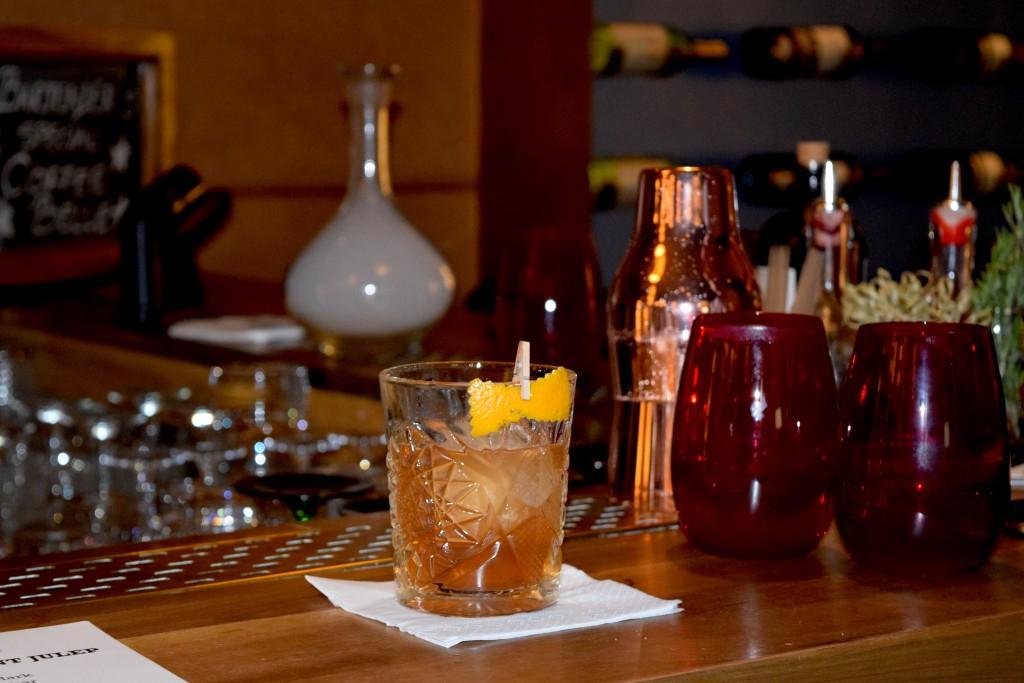 cocktail_oldfashionsmoked