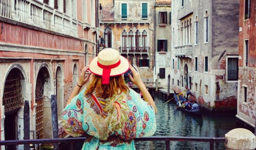 Venetia: poezia de pe ape