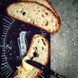 Pâinea cu unt: emblematicul gust al simplității