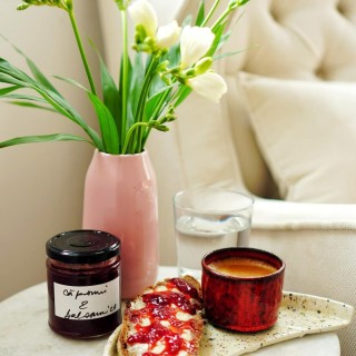 Sourdough bread @insta_margot + french butter @elleetvirero + fantastic jam @naramza.ro + coffee + sun + flowers = recipe for a beautiful morning & a great day ahead. Have an awesome one! ☀  #breadislove #bread #sourdough #jam #coffeelover #jam #sweettooth #goodmorning #petitejoys #sunnyday☀️ #breakfasttime #riseandshine #foodpics # foodphotography #onmyplate