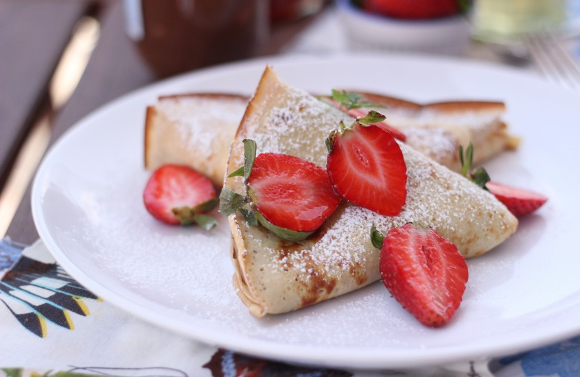 Clatite frantuzesti cu mascarpone si fructe