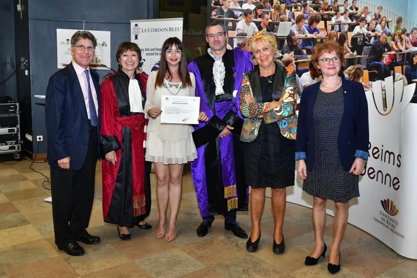 Am adus diploma acasă! Povești de la ceremonia de absolvire Hautes Études du Goût